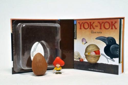 Yok-Yok : une noix ; l'escargot ; les monstres ; les Bons et les Mauvais ; le chat qui parle trop, Etienne Delessert, gallimard jeunesse, giboulées, sandales, claire bretin